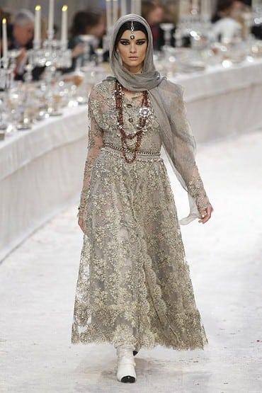 Chanel-Metier-dArt-show-sari