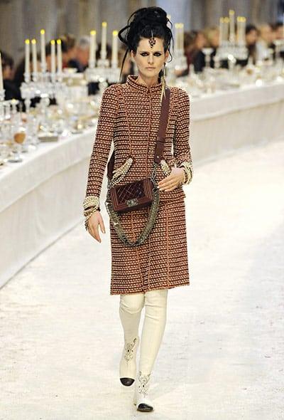 Chanel-Metier-dArt-show-tweed