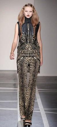 Givenchy_SS2011_02