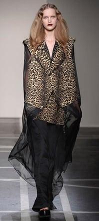 Givenchy_SS2011_03