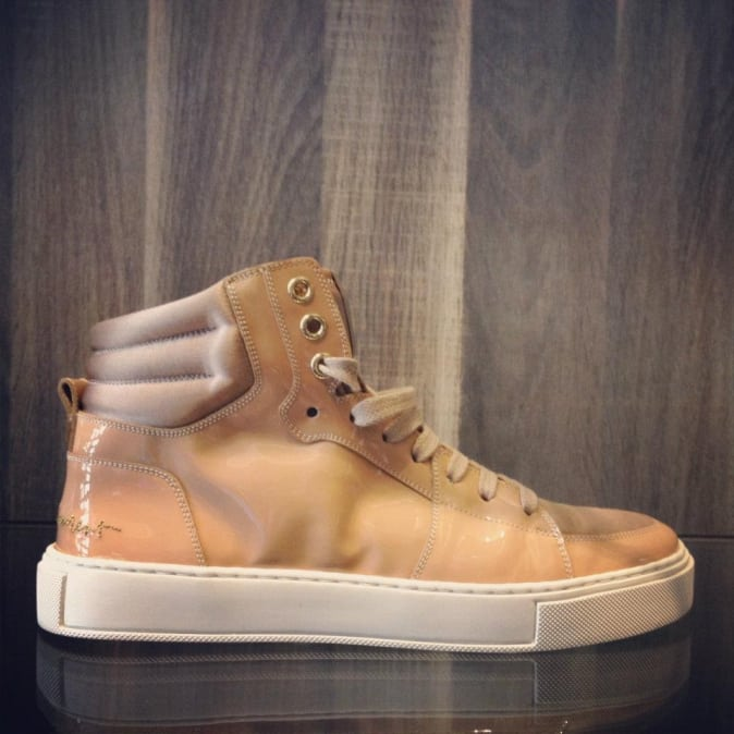 PL-Line_nude Malibu_YSL_sneaker