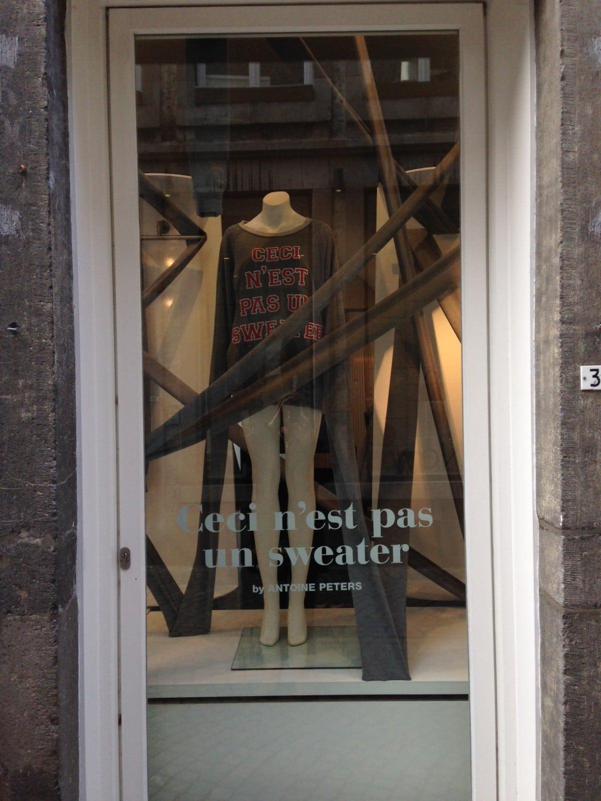 Gespot: Antoine Peters bij Kiki Niesten
