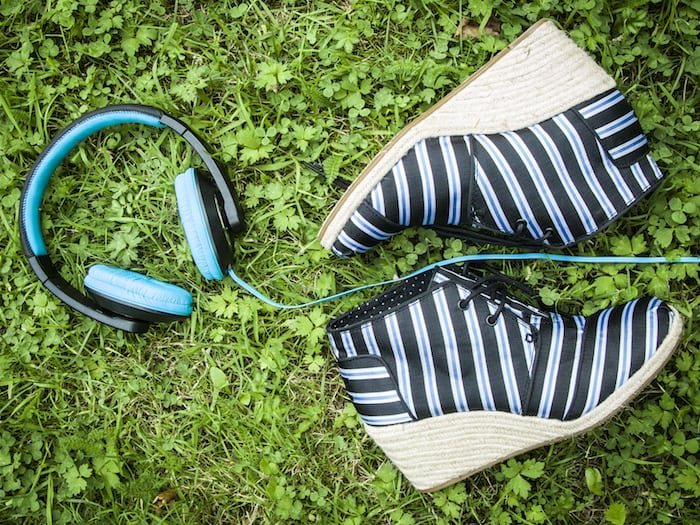 TOMS: Hip en happy sharing shoes