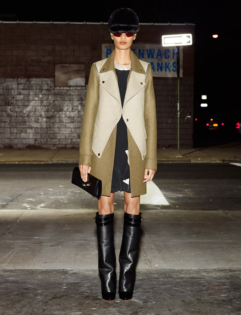 Givenchy pre-fall 2012: jassen en laarzen