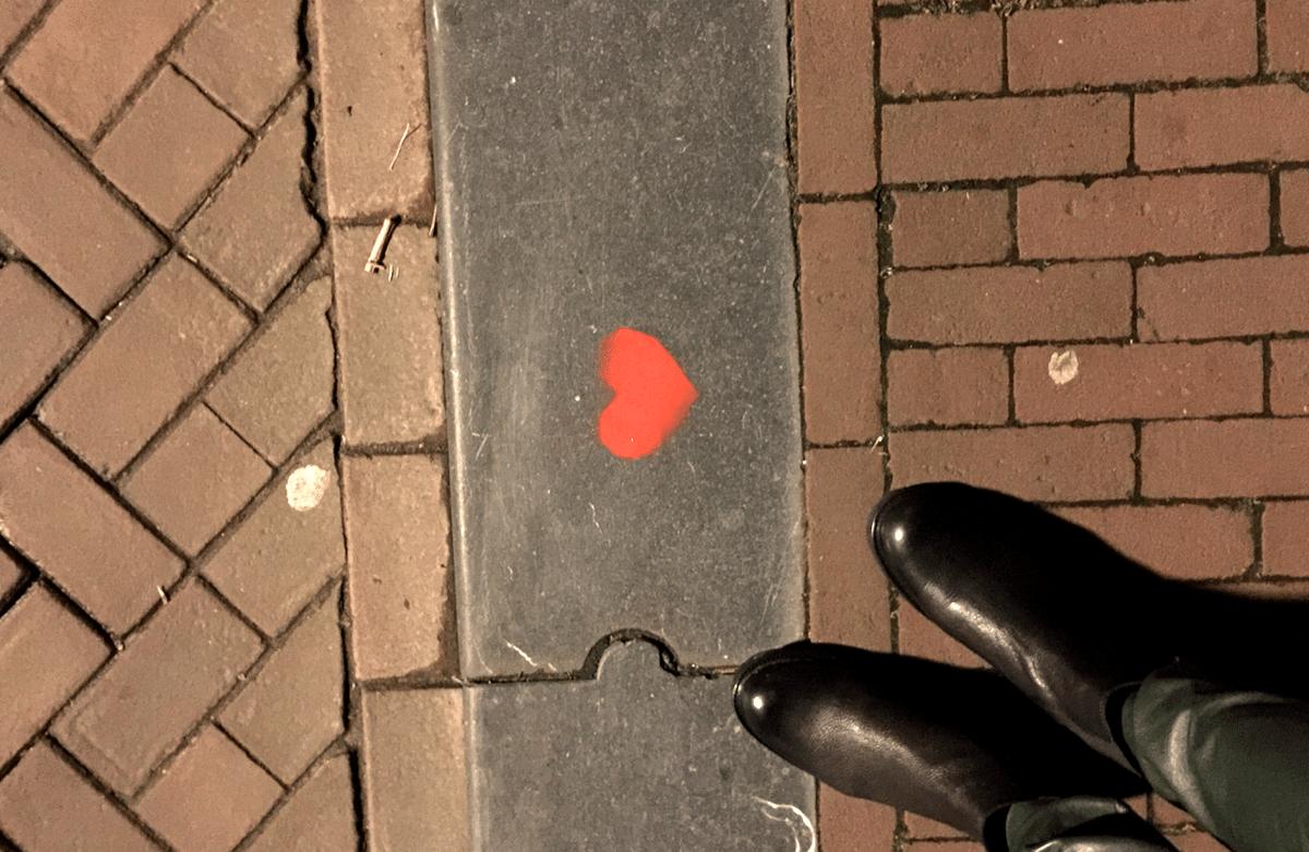 Kerst vol liefde, een hartje op straat