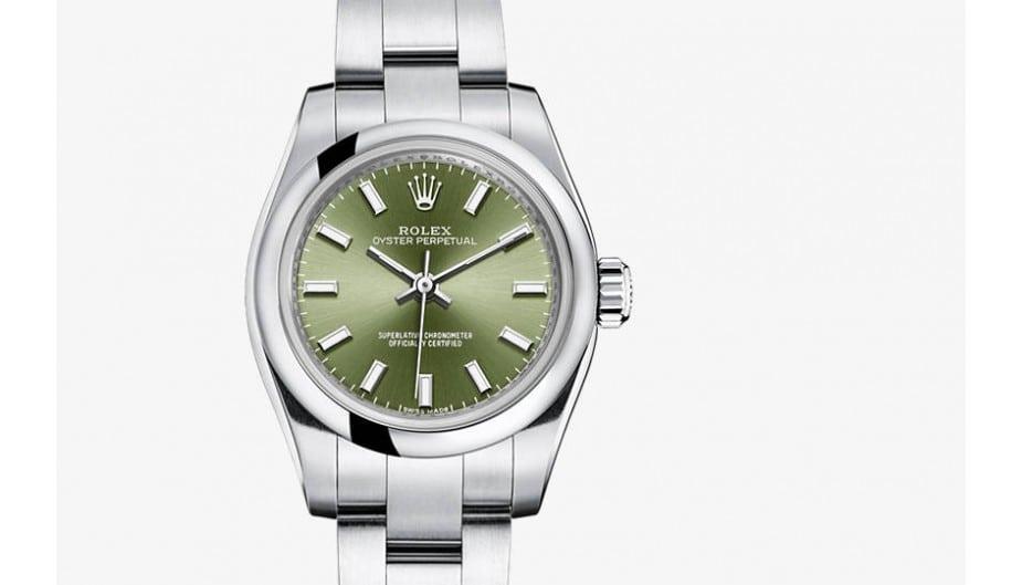 Die olijfgroene Rolex 26 als accessoire