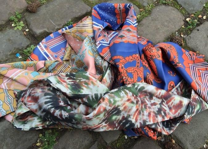 Musthave tuxedo sjaal voor bijna gratis