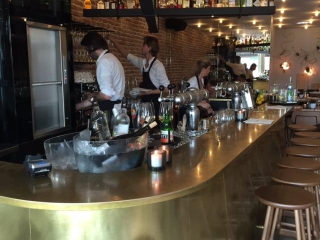 Cinq bar