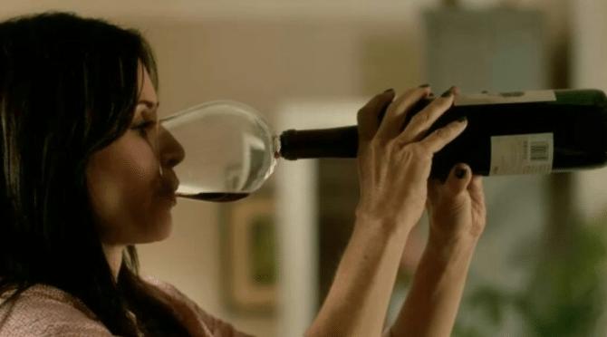 guzzle-wijnglas-op-fles