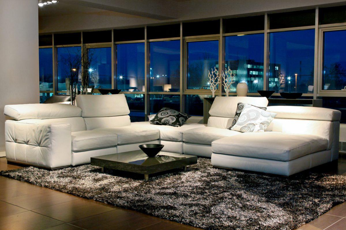 Een luxe woonkamer waar je u tegen zegt