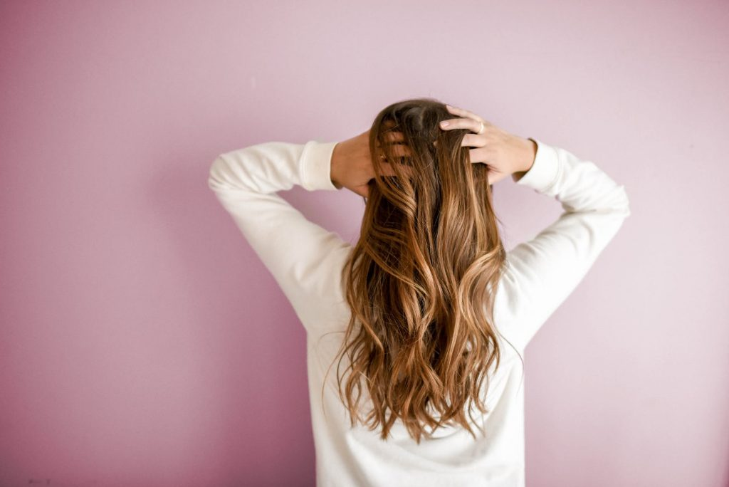 Het masseren van je huid kan de talgproductie stimuleren, wat je niet wilt met een vette huid.