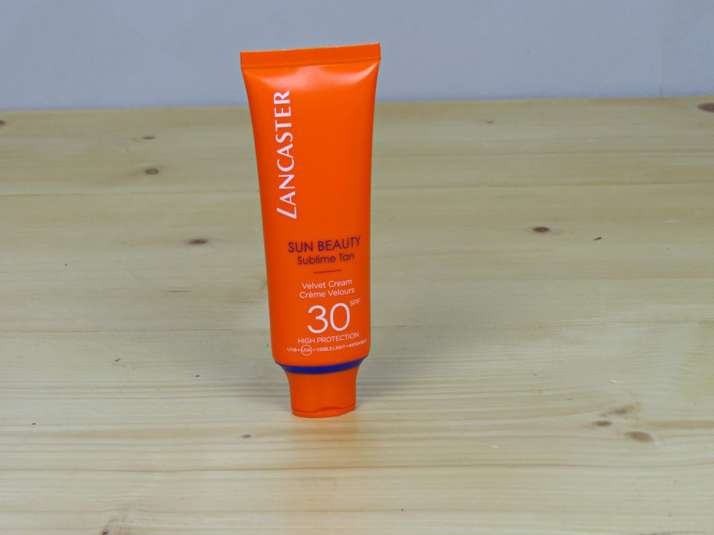 Lancaster sun beauty zonnebrandcrème SPF 30, zonnefilters, make-up, huidverzorging, skincare, huidkanker, zonbescherming, gezichtszonnebrandcrème