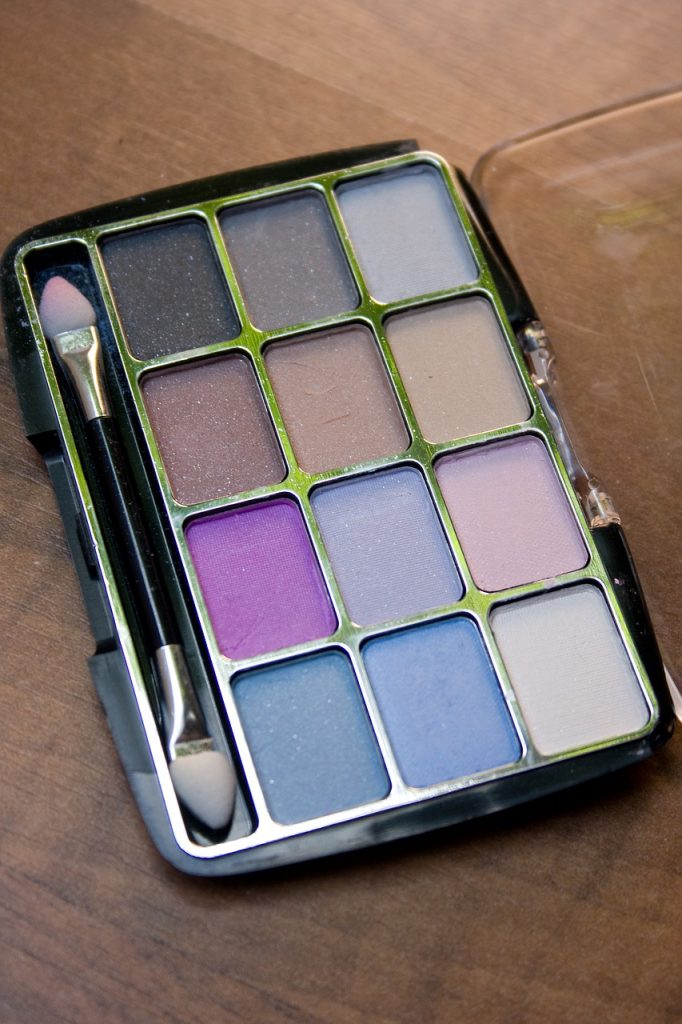 Pretty pastel, lila tinten, zachte kleuren, zachte make-up look