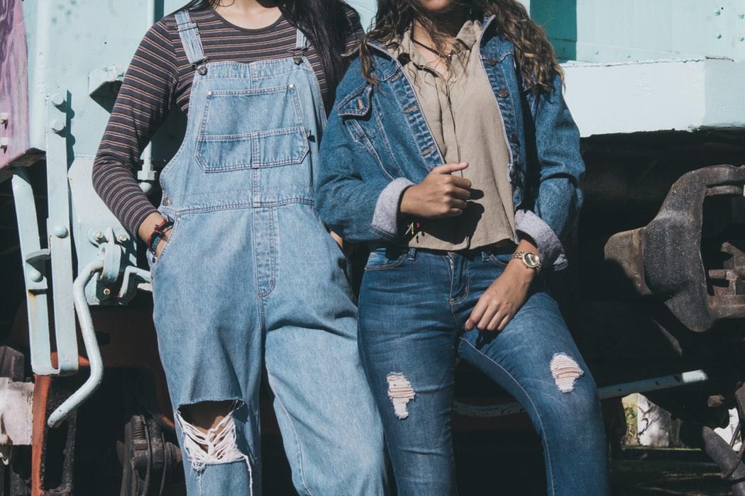 Deze vintage kledingitems ga je in de zomer veel zien!