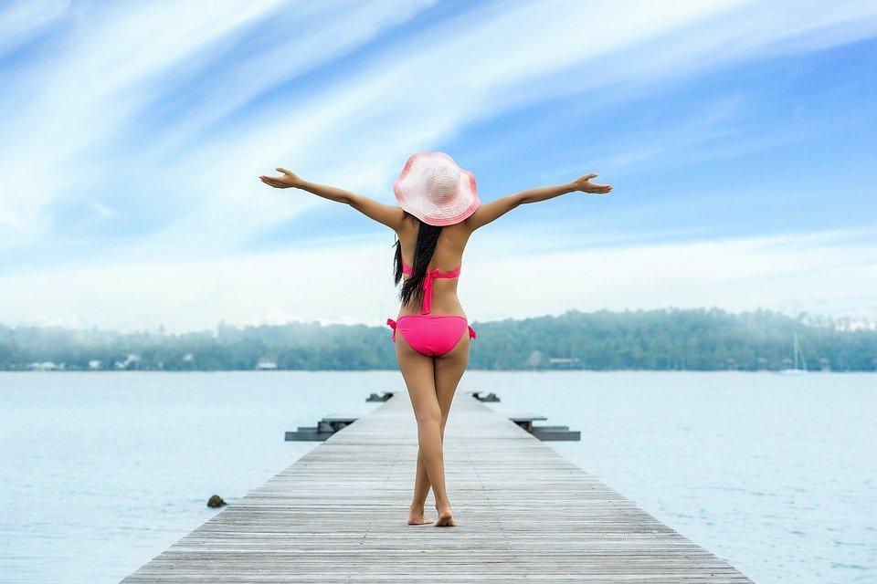 zoek een bikini die bij jouw figuur past zodat je de zomer goed doorkomt