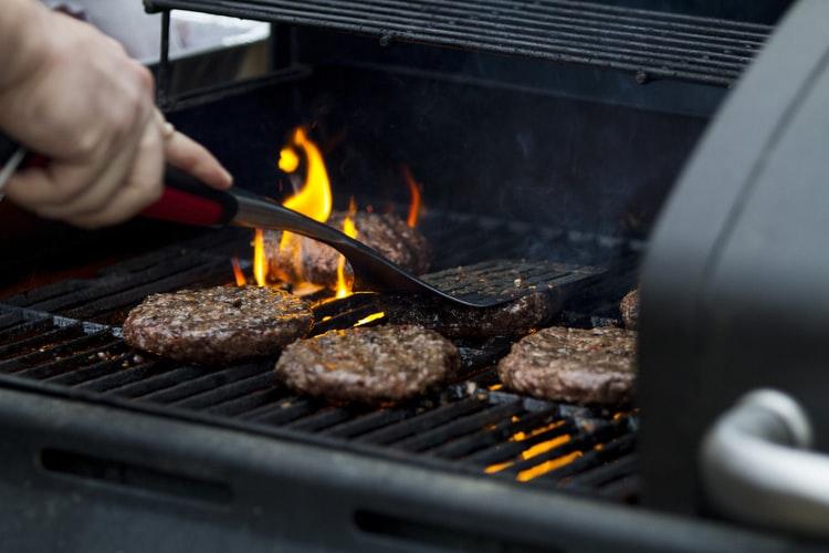 Luchtschuiven bepalen de hoeveelheid zuurstof die in je barbecue terecht komt.