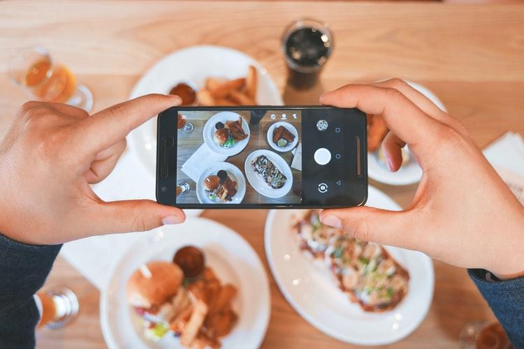 Het stabiel houden van je telefoon is erg belangrijk voor het maken van mooie foto's.