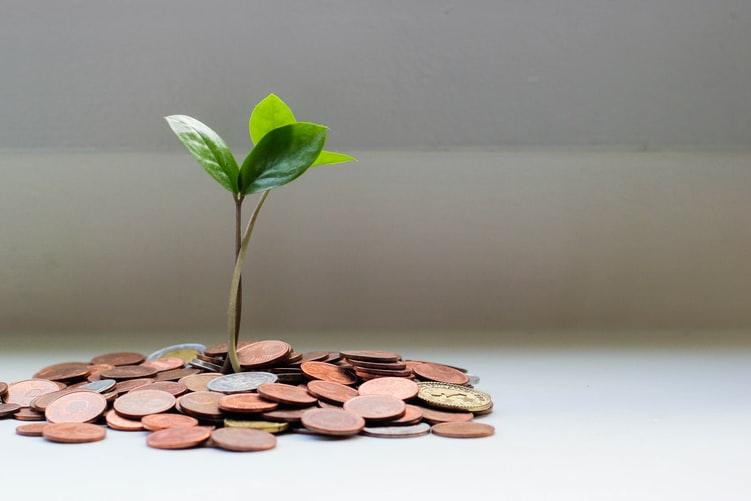 Tips om geld te sparen: kijk waar je de hoogste spaarrente kunt krijgen.